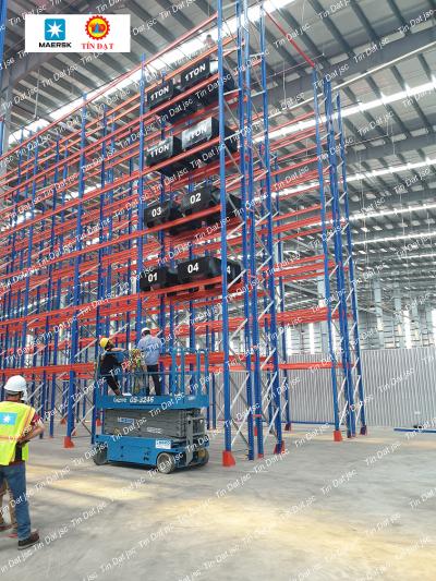 Hình ảnh thử tải kệ chứa hàng nhà kho chứa hàng của Maersk
