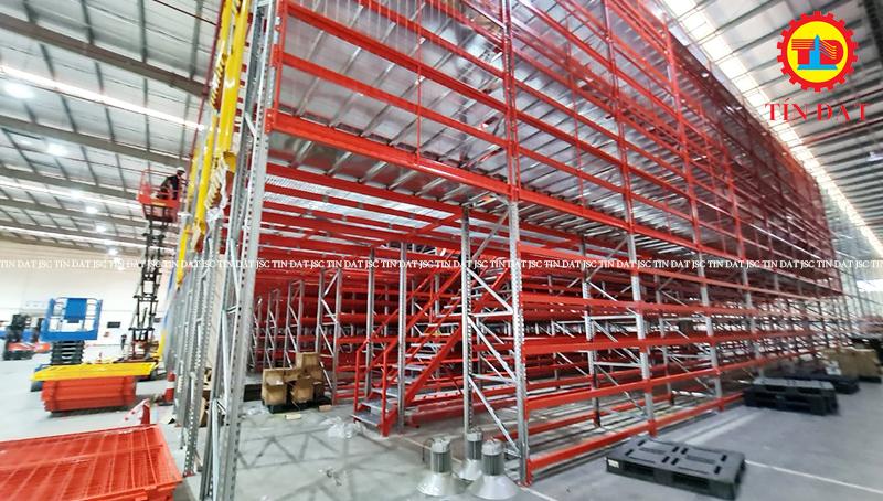 Hoàn thành dự kệ mezzanine floor - 2000m2 - 3 layer kho Nippon Express
